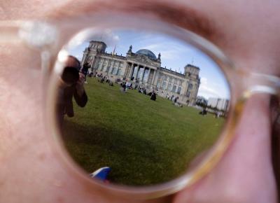 Niemiecki haker, ktróy dokonał najbardziej spektakularnej kradzieży danych, ma 20 lat. Mieszka z rodzicami