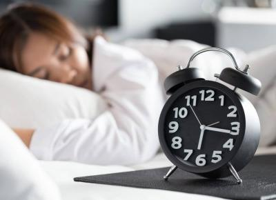 10 rad jak się wyspać