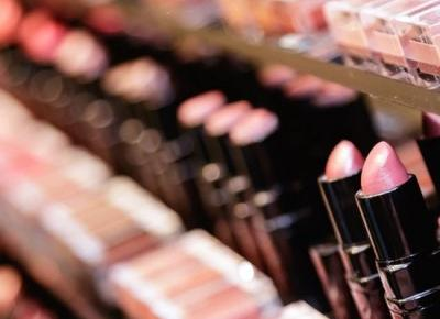 Chiny rezygnują z testowania kosmetyków na zwierzętach - w końcu!