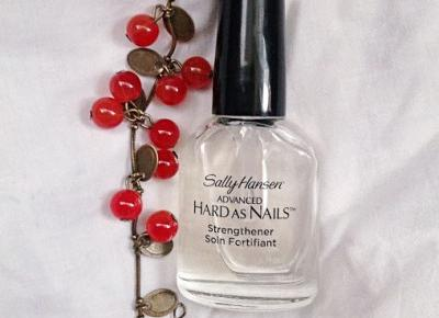 Sally Hansen Hard as Nails ~ Odżywka, która uratowała moje paznokcie.
