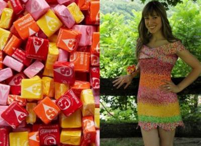 Co można zrobić z papierków po cukierkach? Sukienkę!
