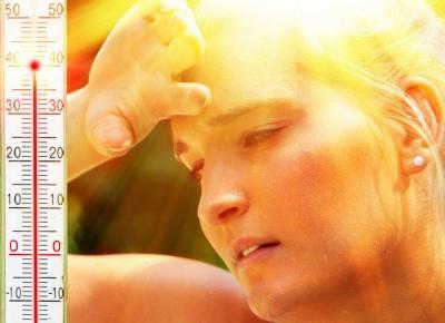 Spływający makijaż w upalne dni - proste rozwiązania