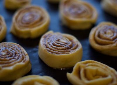 cinnamon rolls - Julliexy