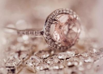 Pierścionek zaręczynowy z jakim kamieniem? | Blog o biżuterii by KINGY