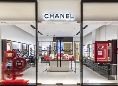 Pierwszy butik Chanel w Polsce już otwarty! Podpowiadamy gdzie dokładnie i co można w nim kupić