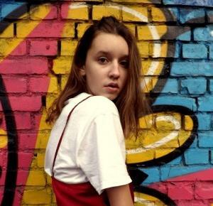 KAROLINA GRZESIAK:  Bieliźniana moda jesienią?