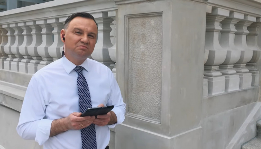 Andrzej Duda odpowiedział na nominację w #Hot16Challenge2