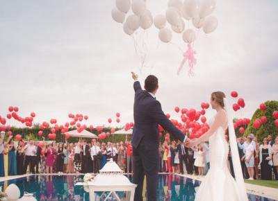 Nowa opcja na Tinderze. Pomoże znaleźć osobę towarzyszącą na wesele