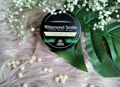 zaStrzałką: Diamond Smile - węgiel wybielający zęby