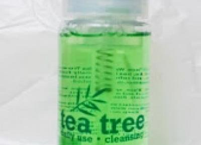 Tea Tree Foaming Face Wash vs Waschgel Balea
