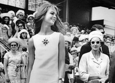 Sukienka, która zmieniła świat mody!