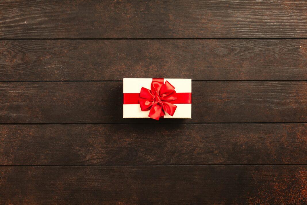 Prezentownik dla niego - uniwersalne prezenty dla mężczyzny!