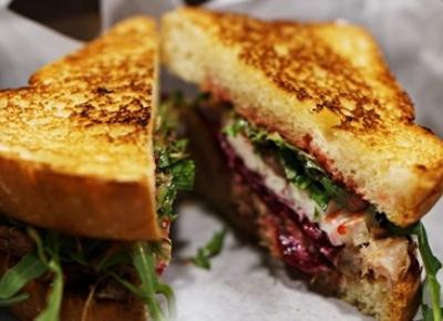 Koniec z burgerami - top 5 kanapek które musisz zjeść!