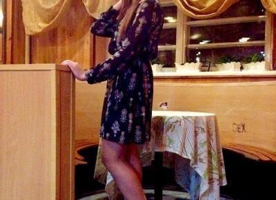 7.11.17 Sukienka czarna w etniczne wzory, szary kaszkiet, czarne szpilki na platformie, Klub Związkowiec w Skarżysku | Blog Fashion and Beauty - Personal by Leyraa