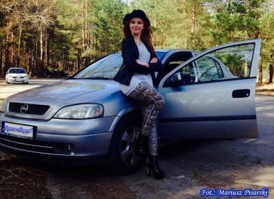 8.04.18 Legginsy skóra węża, lity z ćwiekami na słupku, szara koszulka oversize, naszyjnik celebrytka, czarna ramoneska, czarny kapelusz | Blog Fashion and Beauty - Personal by Leyraa