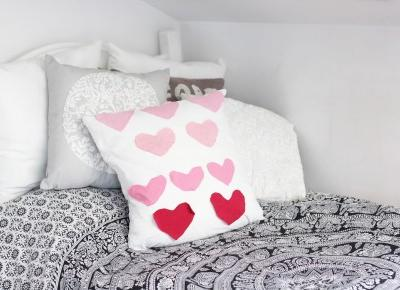 DIY Valentines Day Pillow