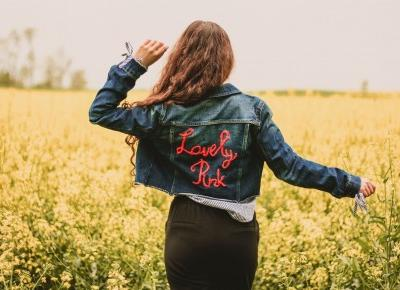 ,: Przerobiona kurtka jeansowa