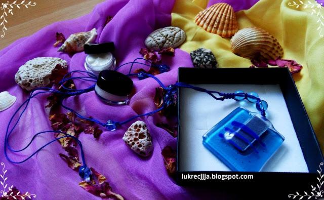 Po prostu Lukrecjjja: XXI wiek w kosmetyczce, czyli pachnąca biżuteria zamiast perfum i kosmetyki szyte na miarę (firma Basis)