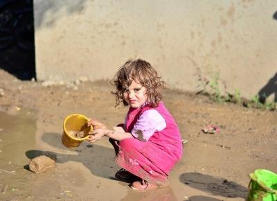 Dlaczego brudne dziecko to szczęśliwe dziecko?