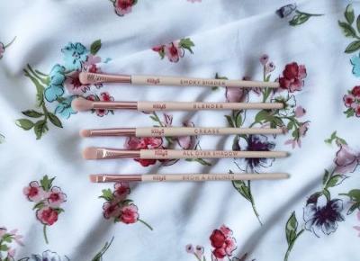 Pędzle do makijażu oka Killys Sakura Beauty - Malinowe C.