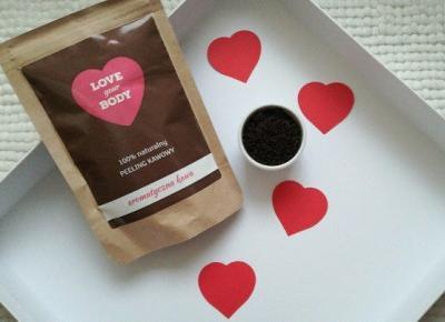 Naturalny peeling kawowy Love Your Body   Aromatyczna kawa - Malinowe C.