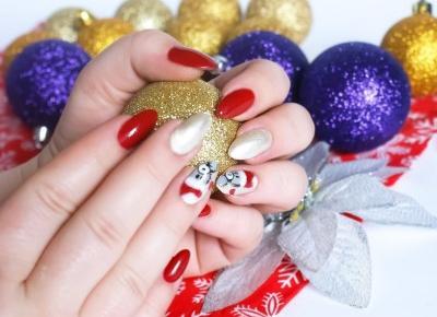 Miss Lilith: Świąteczny manicure