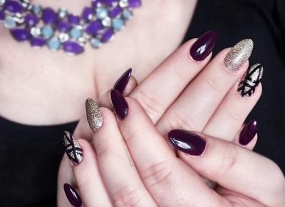 Graficzny manicure - Semilac 015 Plum + Neess Aleja Gwiazd - Miss Lilith
