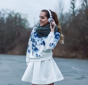 Mone Photos: White - outfit #48