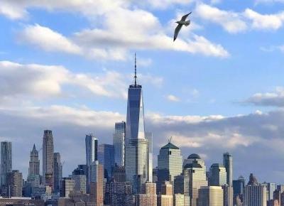 Nowy Jork - Łatwo go pokochać lub znienawidzić. Dla mnie okazał się wymarzonym miejscem na ziemi i zakochałam się w nim bez pamięci.