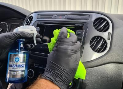 Jak odnowić plastiki wewnątrz samochodu?