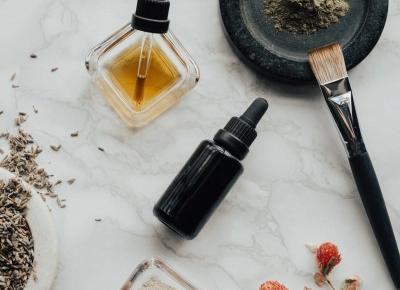 Zrób sobie przeciwbólowy olejek do masażu - Artykuły Wiadomości - NetKobieta