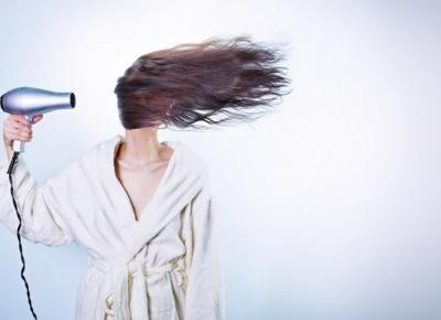 Włosy: Jak przyspieszyć wzrost włosów?