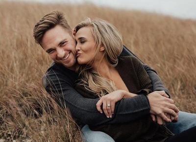 Jak sprawdzić, czy on jest w Tobie zakochany po uszy? Poznasz to po tych znakach