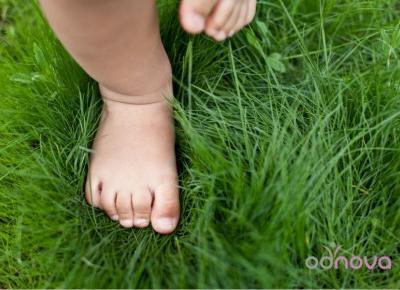 Pierwsze buty – o tym co tak naprawdę jest ważne dla zdrowego rozwoju stopy dziecka.