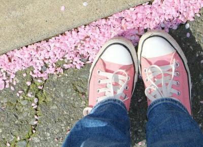 Buty na wiosnę, czyli jakie modele warto mieć w swojej garderobie