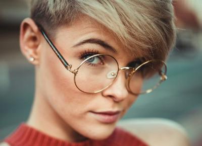 Czy powinniśmy się wstydzić noszenia okularów? | Patryk Tarachoń