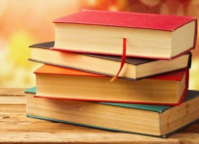 Moje Życiowe Opowiadania: 4 rzeczy, które uwielbiam w książkach