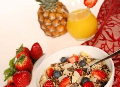 Zdrowe posiłki w ciągu dnia + przepis na owsiankę - Martielifestyle