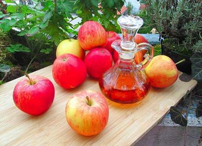 Jak stosować ocet jabłkowy na 30 sposobów dla zdrowia, urody i domu.