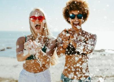 Pięć sposobów, abyś czuła się pewna siebie na plaży