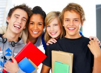 Strach przed pójściem do nowej szkoły? Nic trudnego! Z tymi radami na pewno sobie poradzisz!