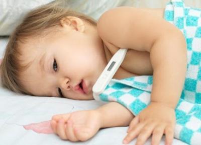 Świat Toli: Jak wytropić chorobę u dziecka – gorączka, jak postępować?