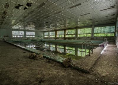 Opuszczony szpital w Legnicy – Szary Burek