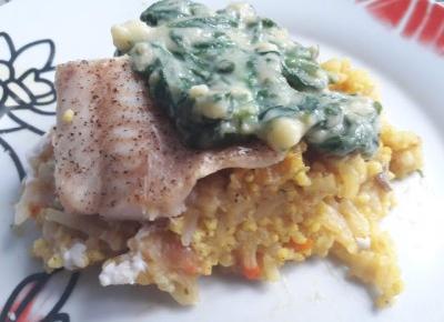 Pieczona ryba w warzywami w sosie szpinakowym - PRZEPIS | Diety i ich sekrety