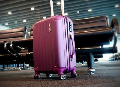 Jak spakować się w bagaż podręczny - czego NIE brać - TravelAnQa