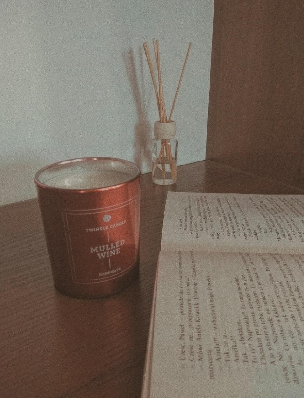 Afternoon tasty with Wicky: Zamówiłam świeczkę od Andziaks!