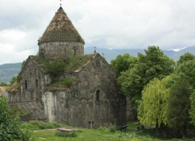 Armenia - monastyry w górach Kaukazu