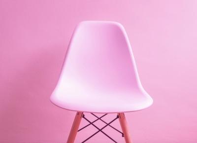 Trzy miejsca w mieszkaniu idealne dla transparentnego krzesła - Wnętrza dla Ciebie