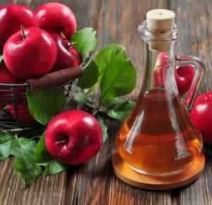 Zdrowe Szczęście : Ocet jabłkowy, jak i na co go stosować?