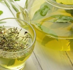 Zdrowe Szczęście : Dlaczego warto pić zieloną herbatę?